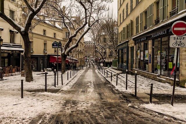 פריז בצבע לבן