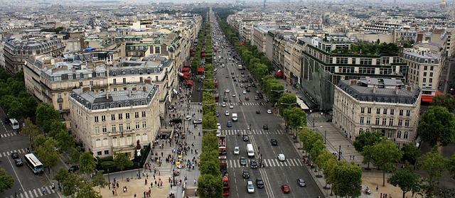 Champs Elysées -שדרות שאנז אליזה