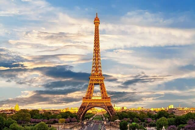 מידע שימושי על פריז - לשמור למועדפים